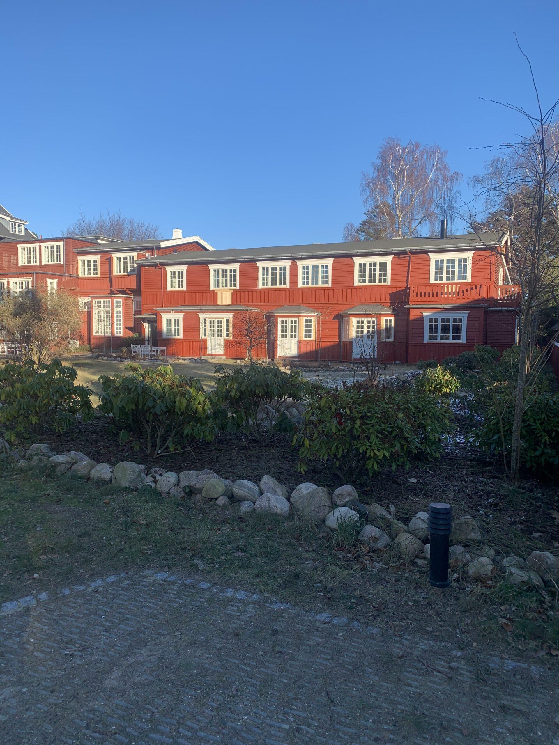 Udskiftning til bøjsø vinduer hotel Hornbækhus